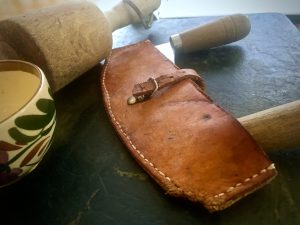 herb knife in leather puch