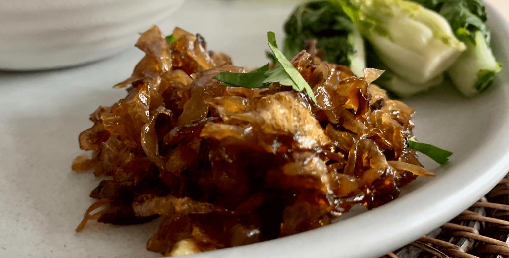 Spicy onion garnish
