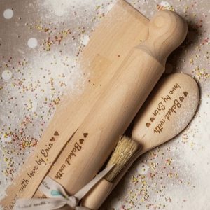 Baking set with a name engraved on each one