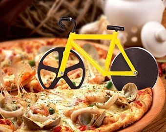 Pizza bicycle cutter on a pizza